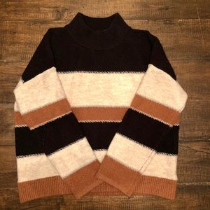 Universal Threads WMs XXL striped sweater